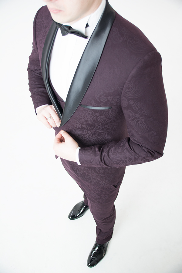 Бордовый смокинг-тройка «Eleganto»