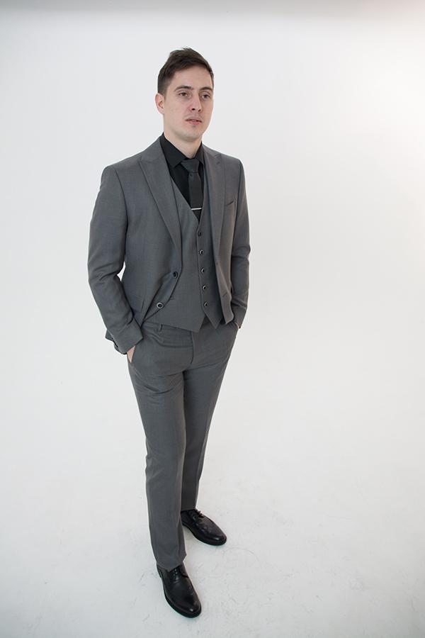 Серый костюм-тройка «Golden Grey»