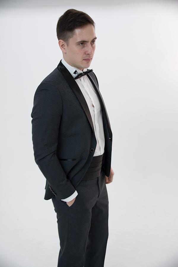 Серый смокинг «Eleganto»